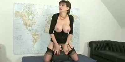 British Milf Loves Her Sybian